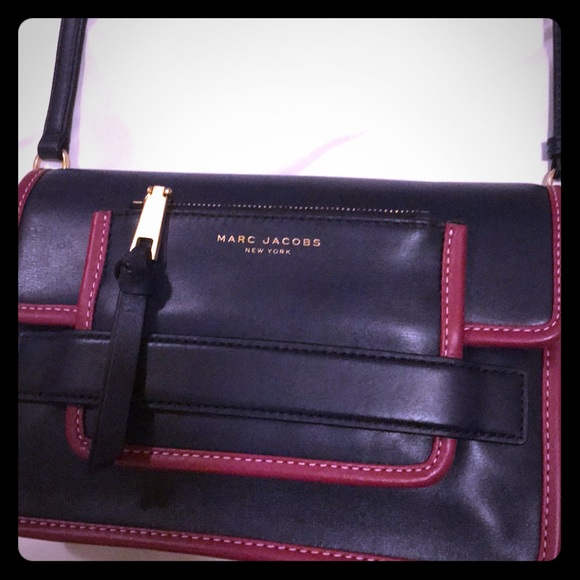 Marc Jacobs Handbags - Crossbody bag